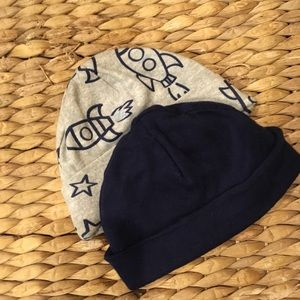 Gerber Other - Beanies set of 2 Newborn size